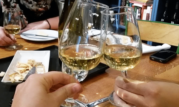 meet-me-out-wine-tasting